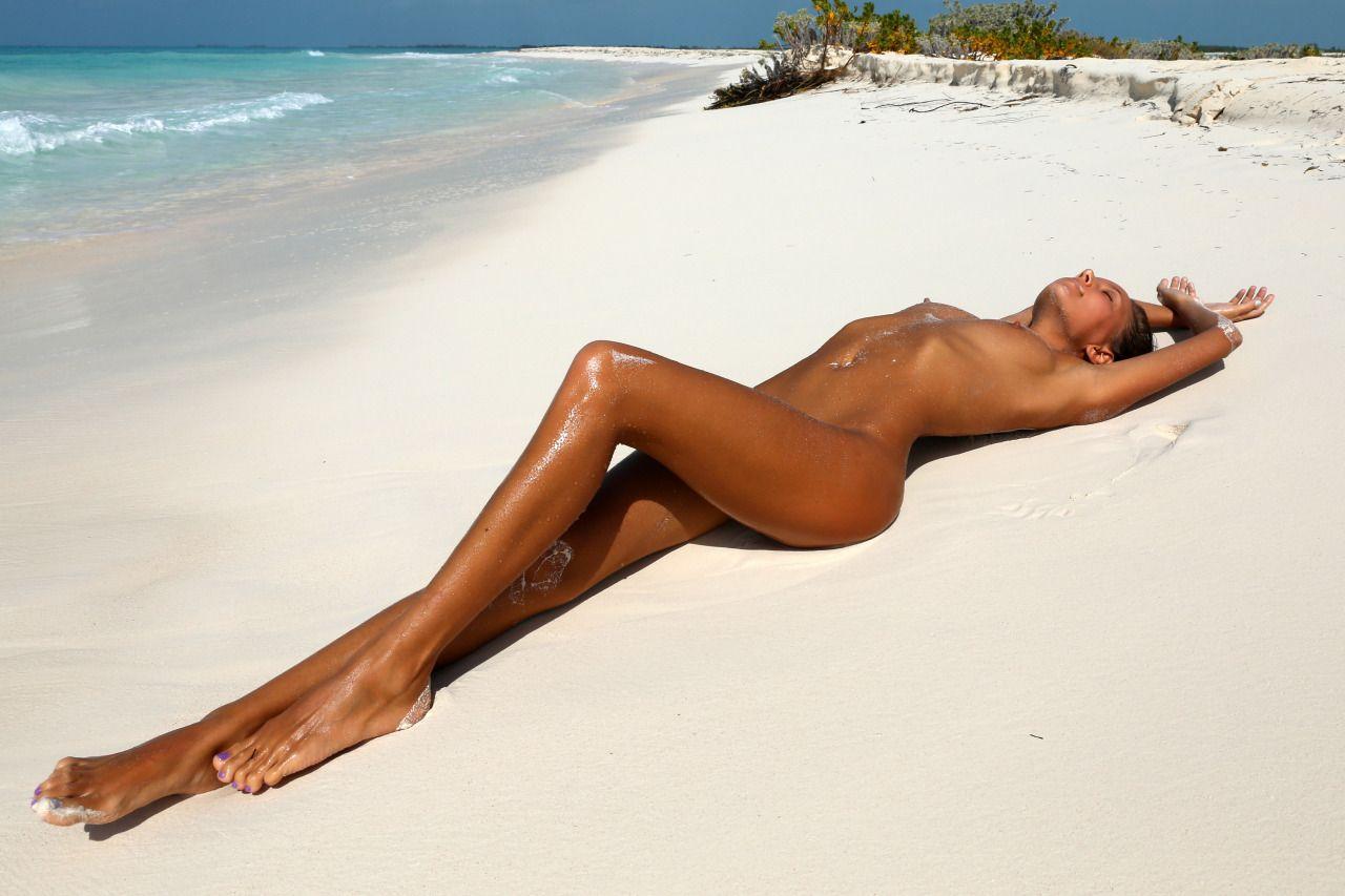 Красивые загорелые женщины голые фото #12