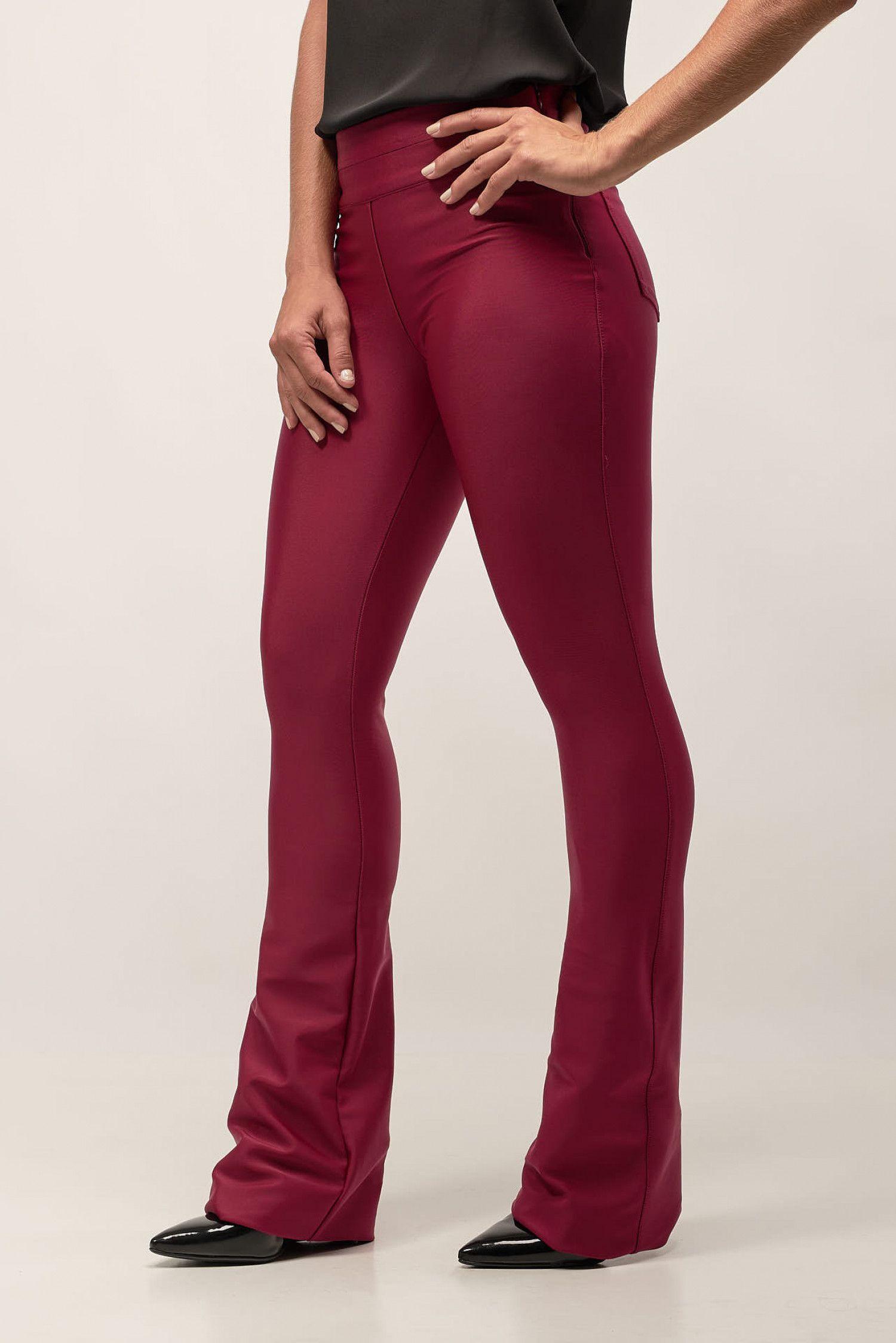 74549db71 Calça Flare Cyber Dante Pink - SHOP NOW - Calça confeccionada em poliamida  com elastano.