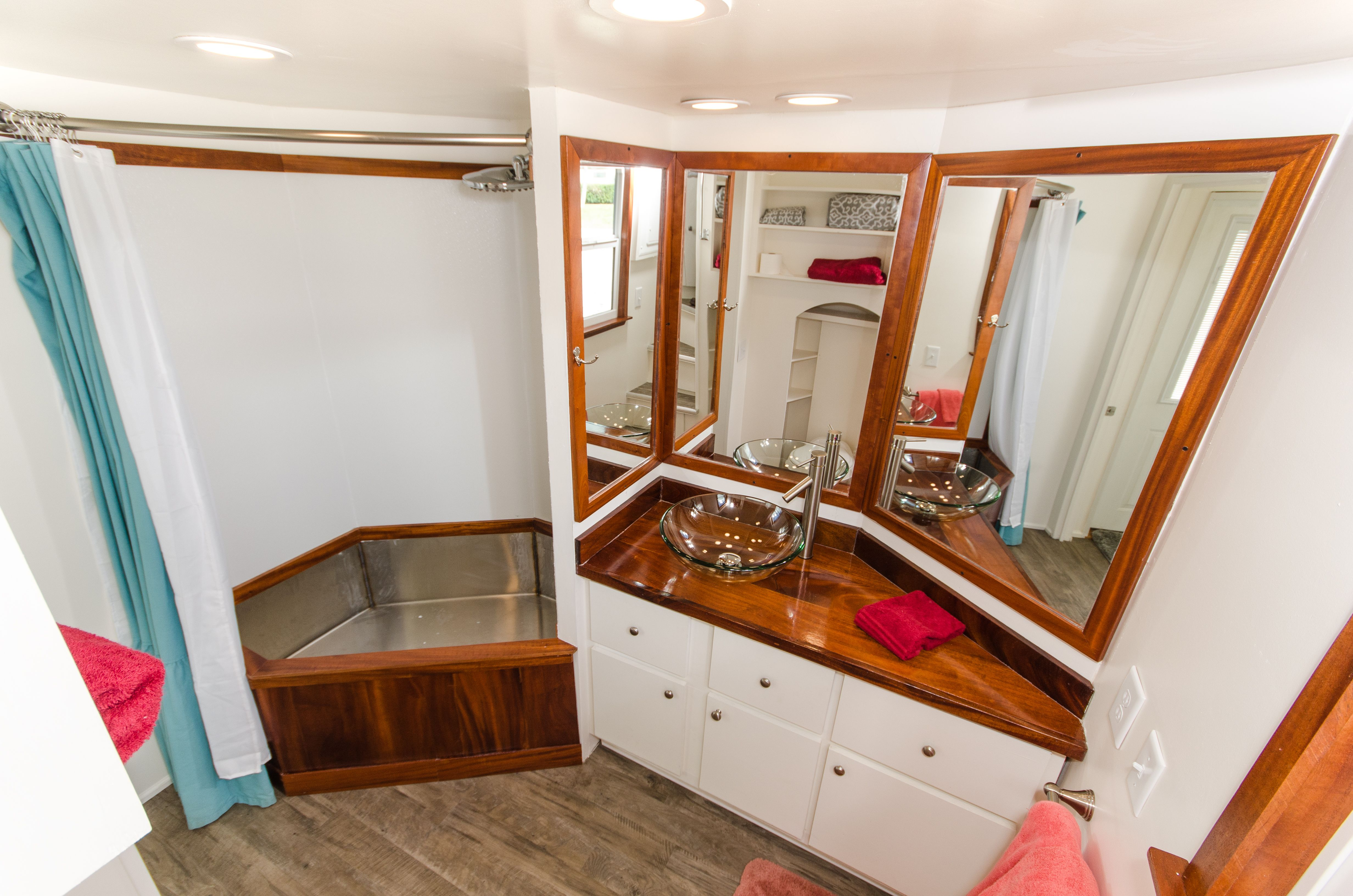 Our original tiny house rental - Amy Why stay in a boring ...