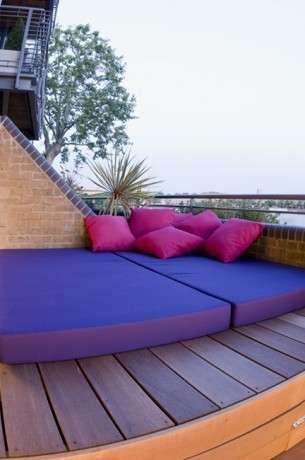 Arredamento per terrazzo maxi cuscini a terra