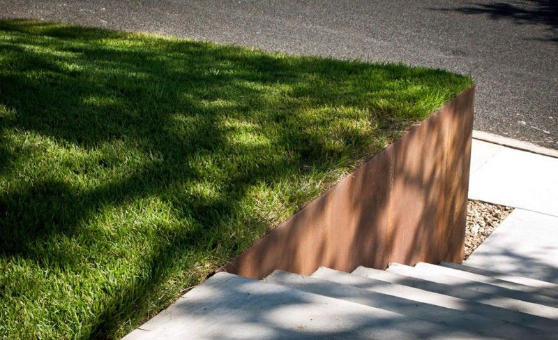 Metal Retaining Wall With Zoysia Turf Grass Modern Landscaping