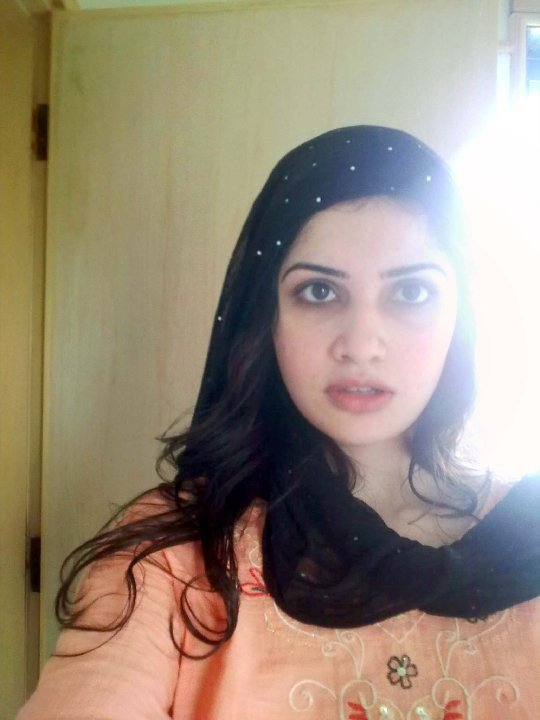 Sexy Pakistani Desi Girls  Females In 2019  Cute Girls, Hottest Photos, Red Lips-4980