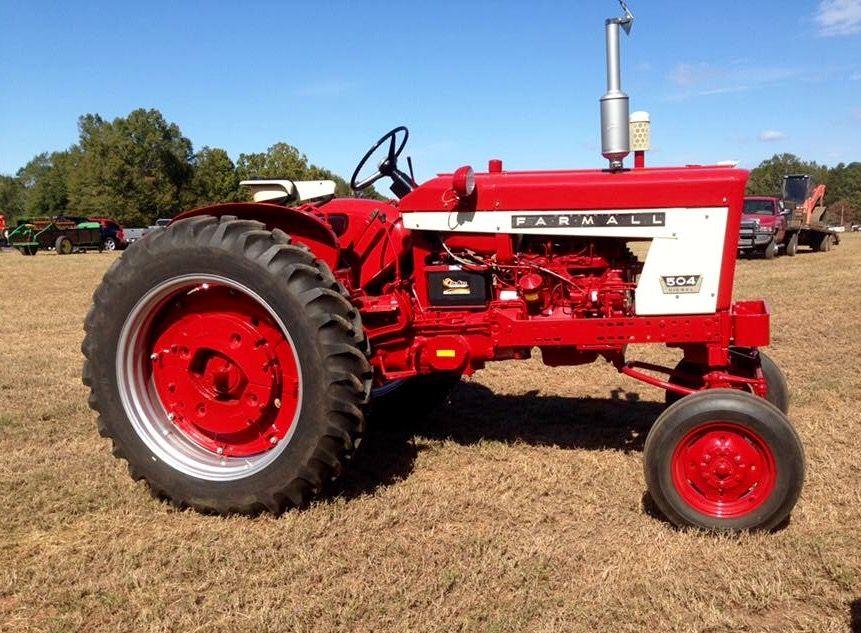 FARMALL 504 | Farmall, Tractors, Classic tractor