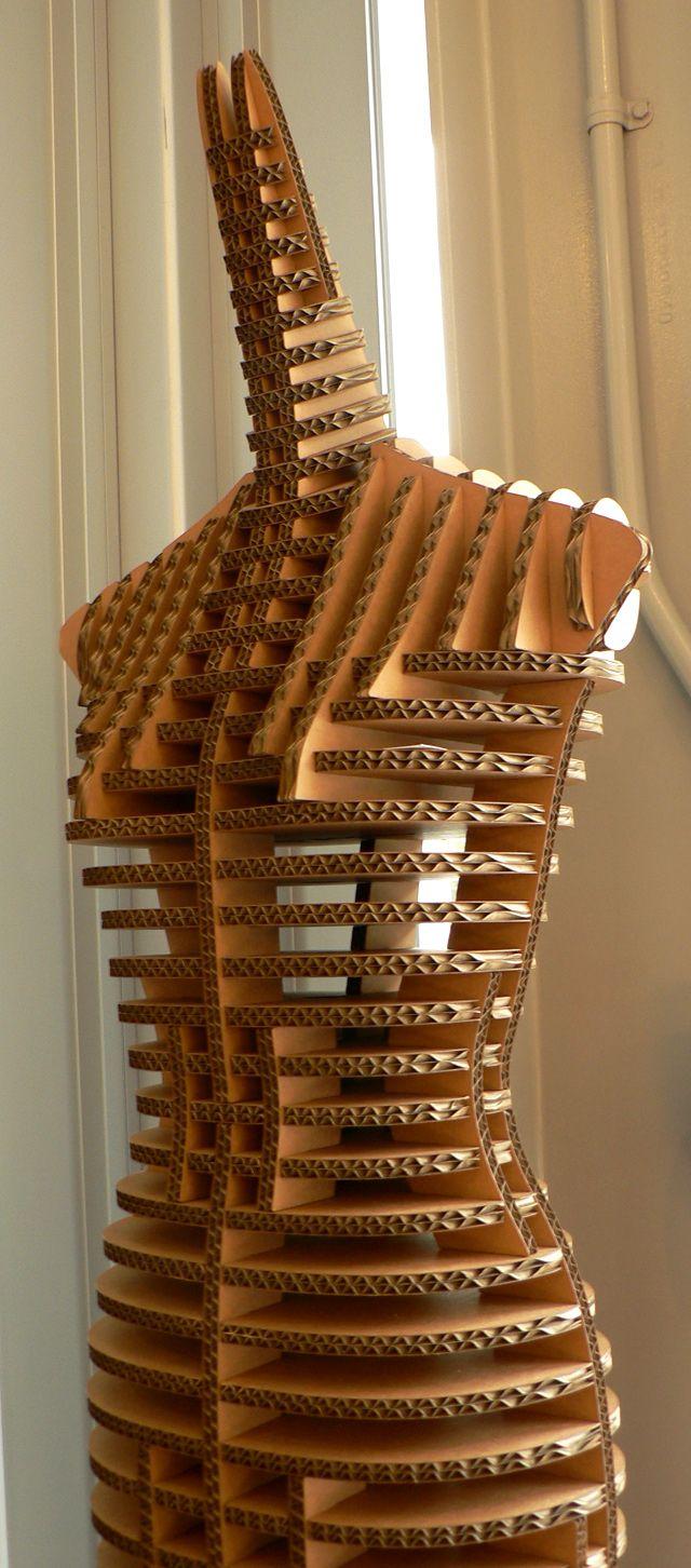 Cardboard mannequin in the gift shop | Holzarbeiten, Papier und Buecher