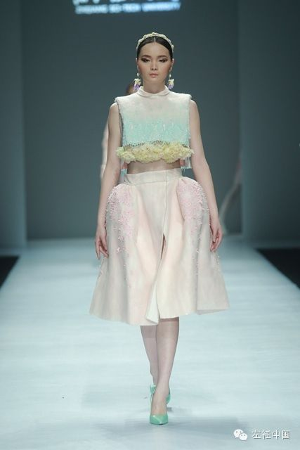 From China's original costume designs China International Fashion Week Students wonderful original works