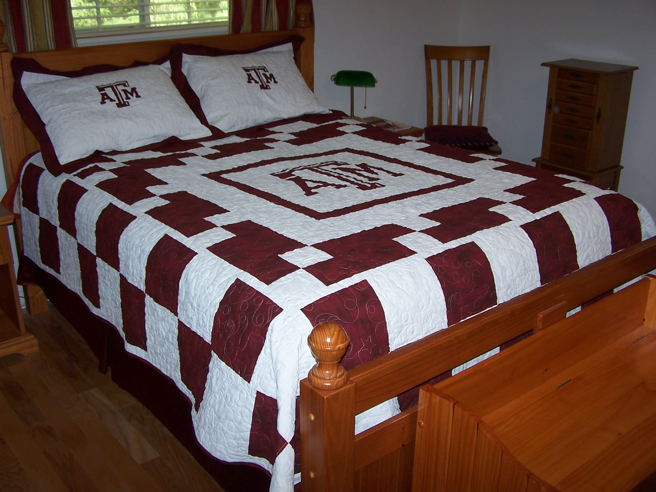 Texas a queen size quilted bed cover and pillow shams longarm