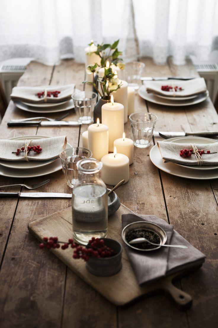 Tischdekoration mit blockkerzen zu weihnachten for Tischdekoration weihnachten dekoration