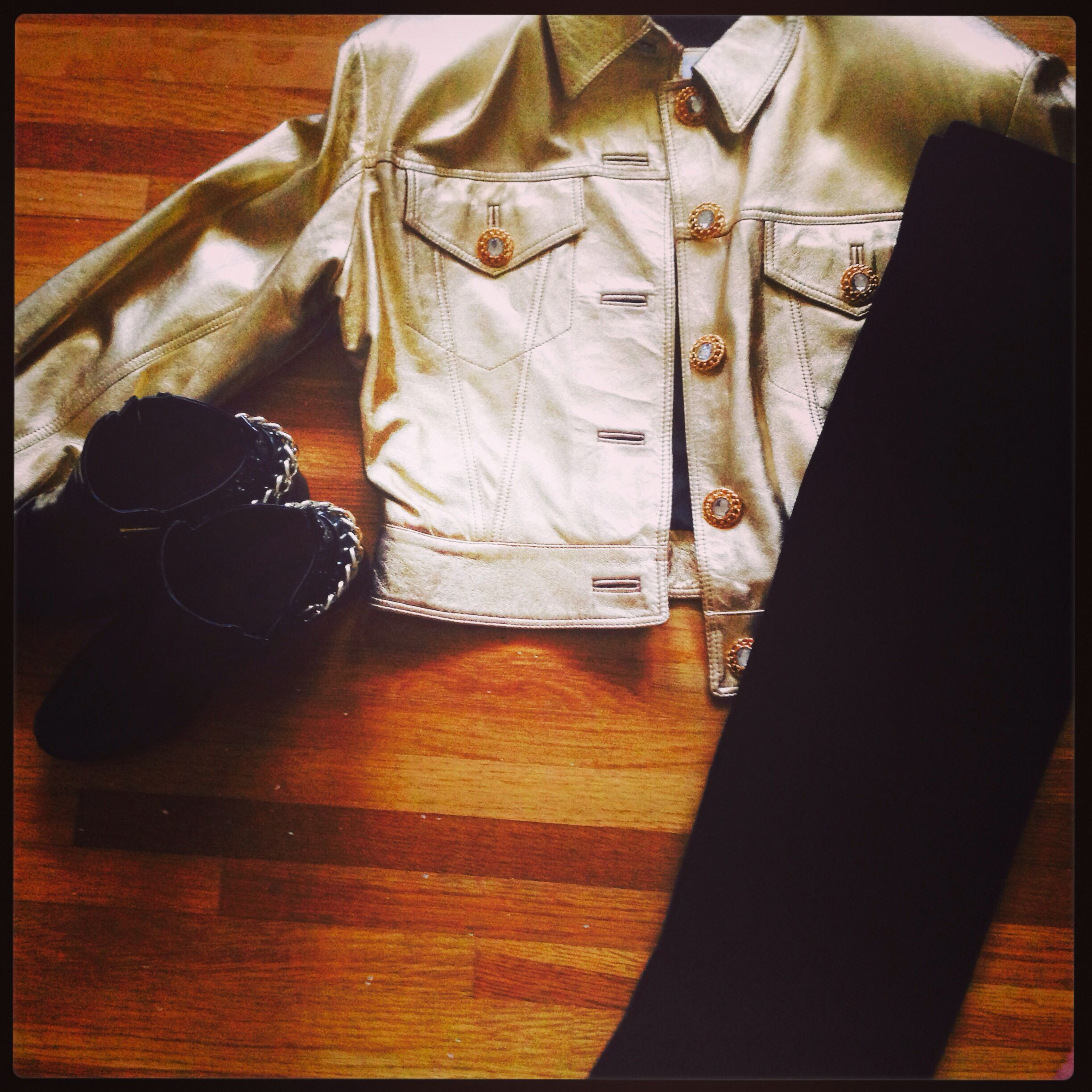 Gold leather jacket. Vintage 80s <3 Forever 21 shoes  Velvet midi - urban outfitters