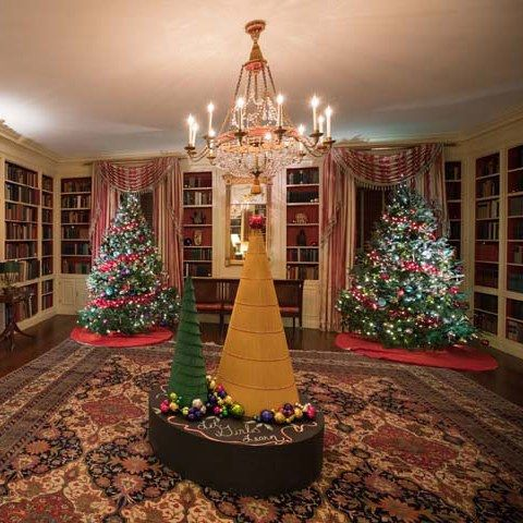 what michelle obama really thinks of this years white house holiday decorations - White House Christmas Decorations 2016