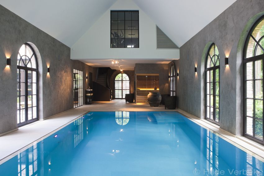 Demooistebinnenzwembaden exclusief overloop zwembad en sauna