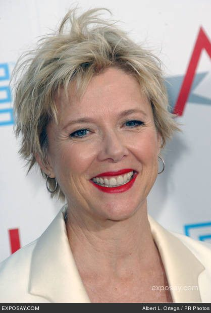 Short blonde with dark roots textured pixie haircut short annette benning annual afi lifetime achievement awards arrivals sony studios culver city ca usa keywords annette benning false photo winobraniefo Image collections