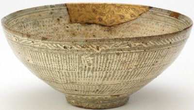 Mid-15th c. Punch'ong bowl (Korea) with maki-e repair