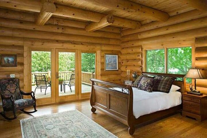 Oh how I would love a bedroom like this! Log Cabin / Lodge