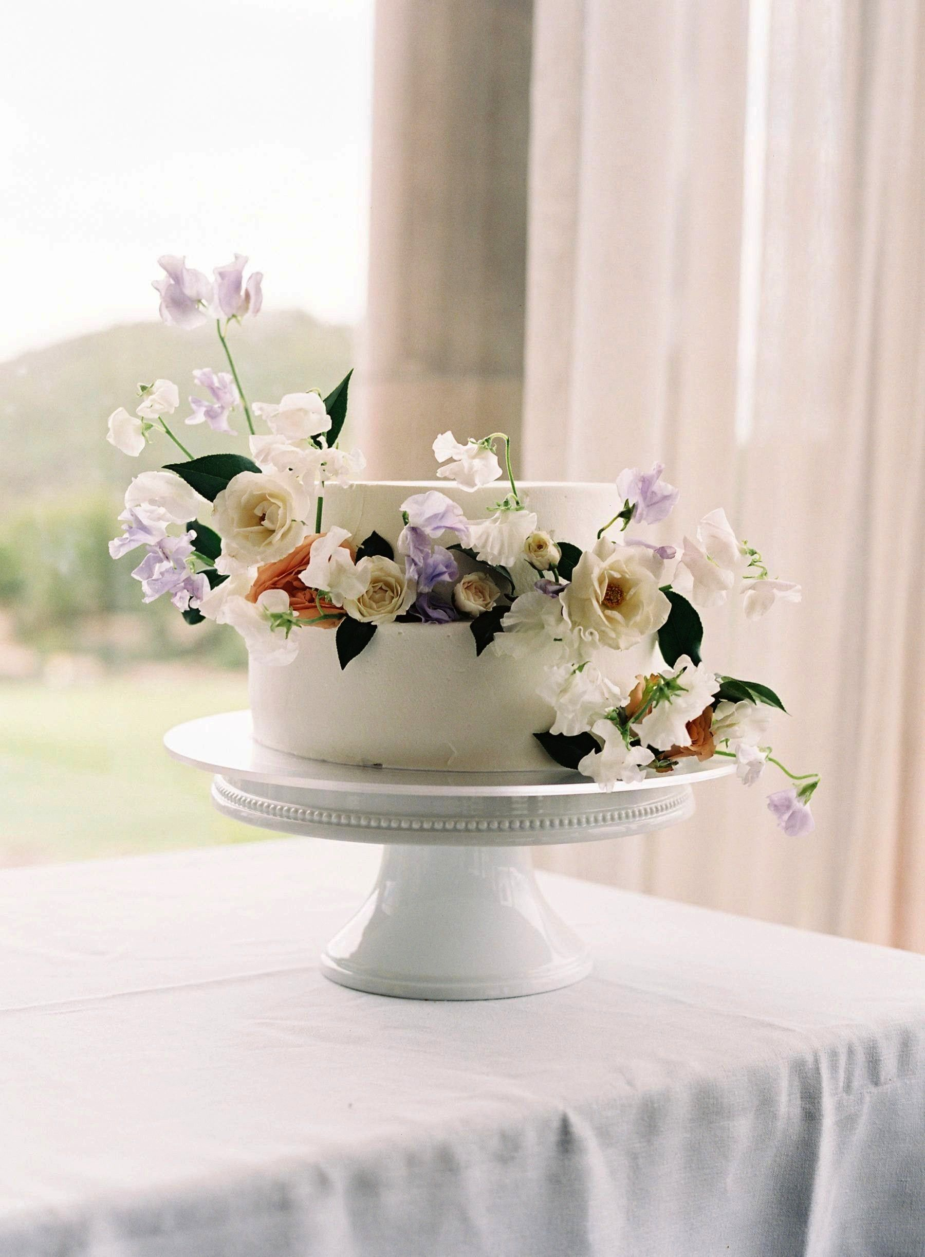 Wedding at Silver Creek Valley Country Club Modern Spring Wedding at Silver Creek Valley Country ClubModern Spring Wedding at Silver Creek Valley Country Club Follow us S...