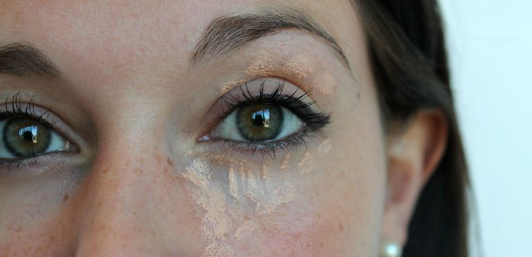 This Easy Trick Covers Up Dark Circles and Fights Wrinkles