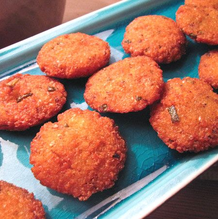 La cuisine r unionnaise samoussas bonbons piment bouchons plats sal s pinterest - Cuisine reunionnaise recette ...