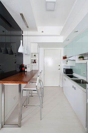 Architect Jaii De Guzman Jr Worked Closely With A Doctor Homeowner To Create A Modern Condo Interior Design Condo Interior Condo Interior Design Space Saving