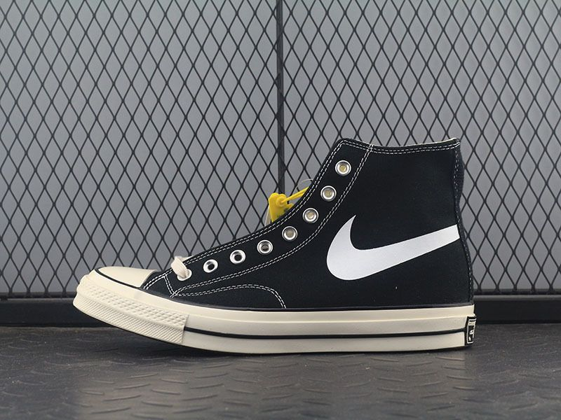 franja Arena viudo  Converse Chinatown Market Chucks 70s Black Swoosh Smiley Face | Best  sneakers, Converse, Sneaker stores