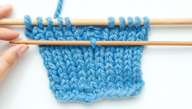 How To Fix A Dropped Stitch Sheep And Stitch In 2020 Knitting Tutorial Knitting Basics Knitting Videos Tutorials