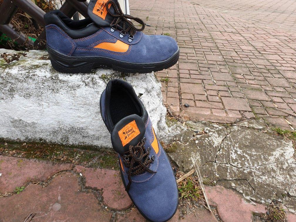Lukpol Polbuty Ochronne Niezwykle Lekkie I Oddychajace Produkt Polski Dostepne W Wersji Z Podnoskiem Oraz Bez Noska Https Www Sneakers Dc Sneaker Shoes