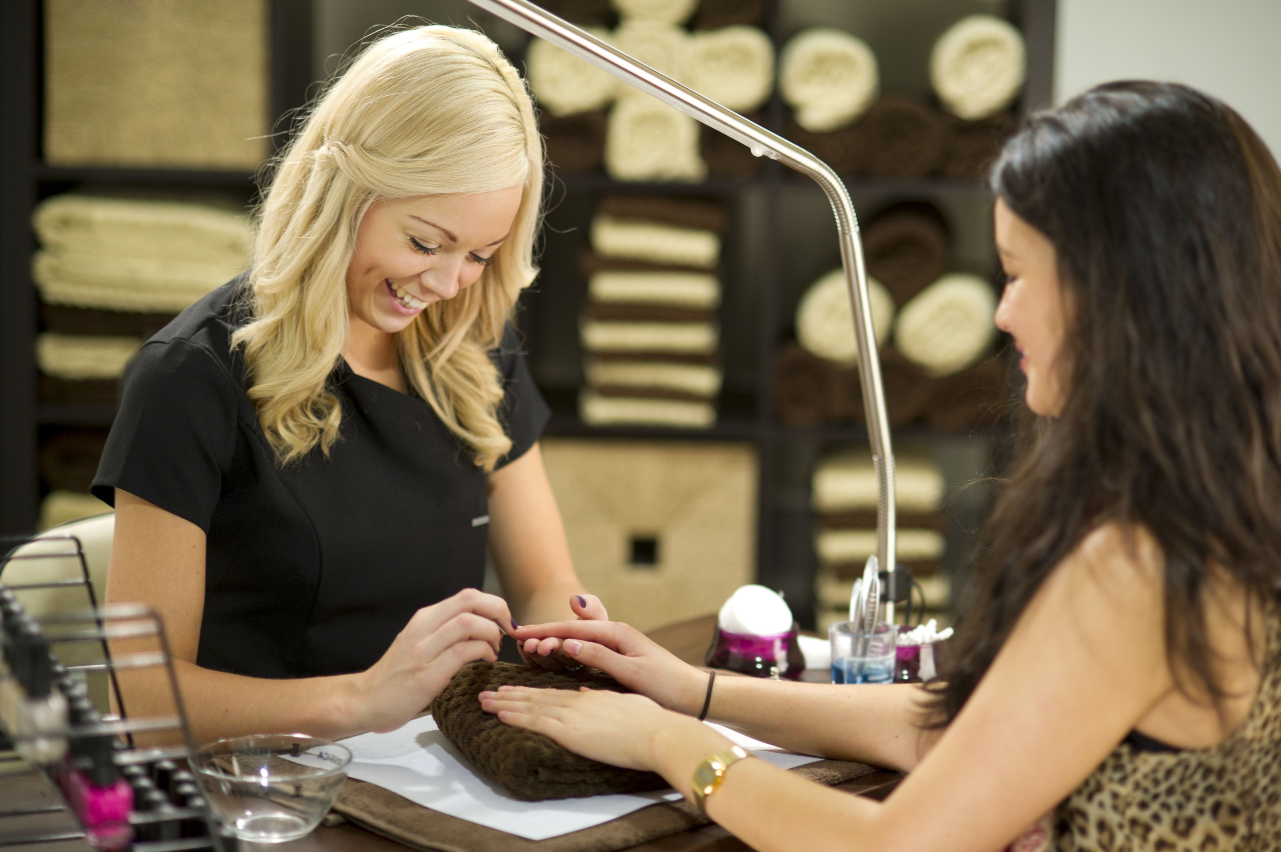 how much is it to get your nails done at a nail salon