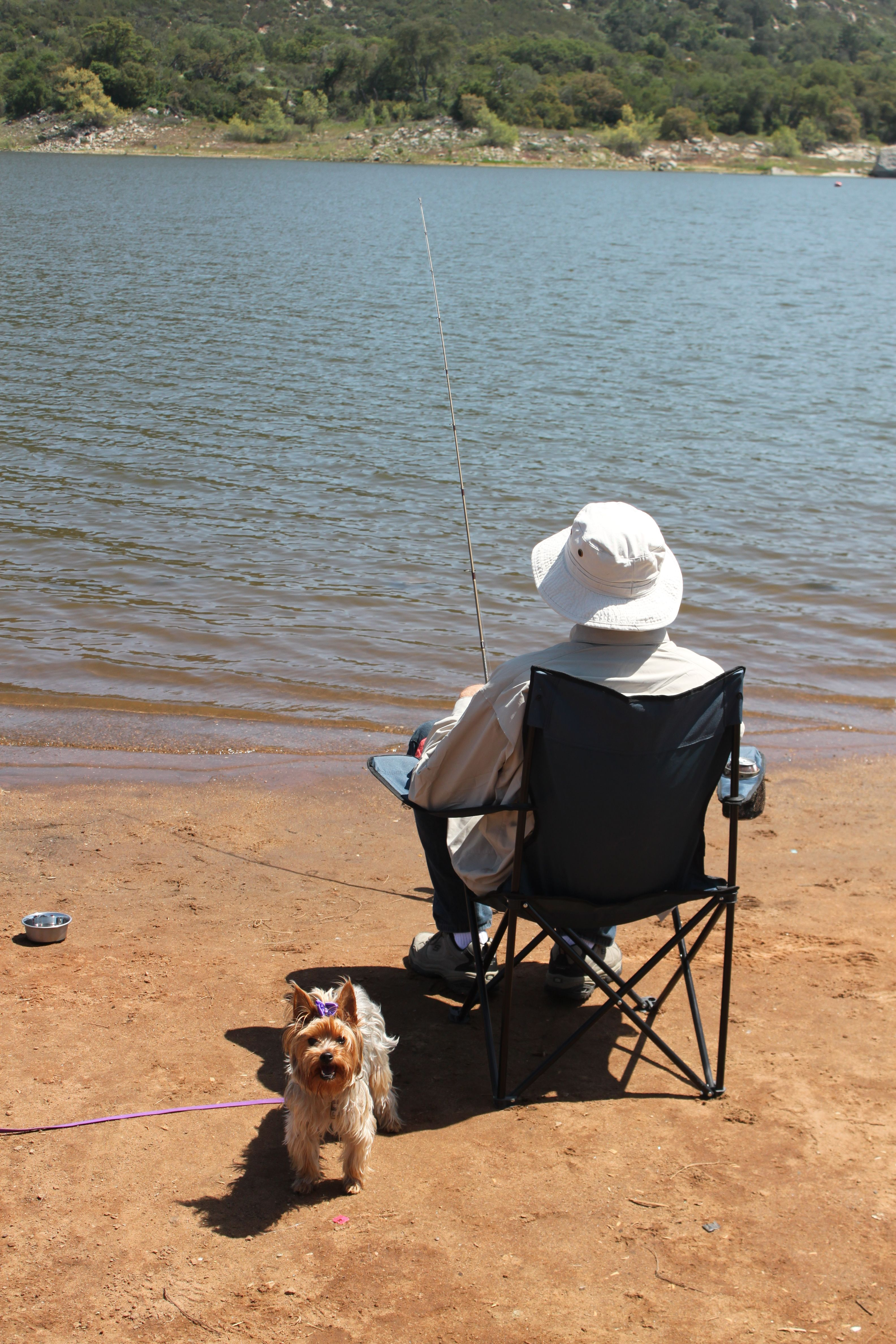 The Gidget goes fishing with that retired guy!!