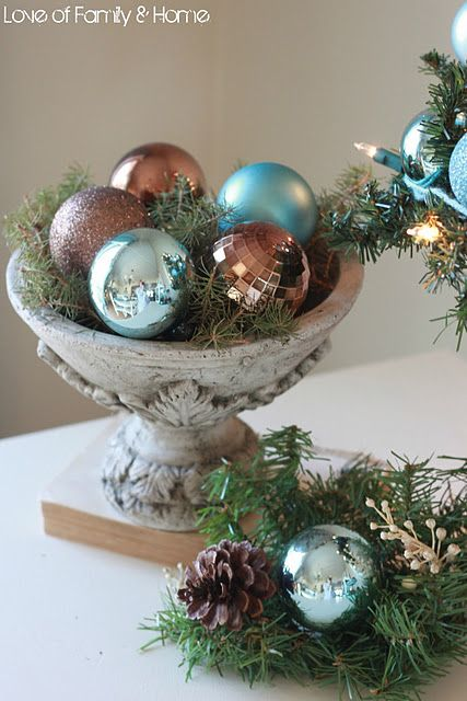 Love these colors (next year??) add the turquoise to my brown and gold tree?