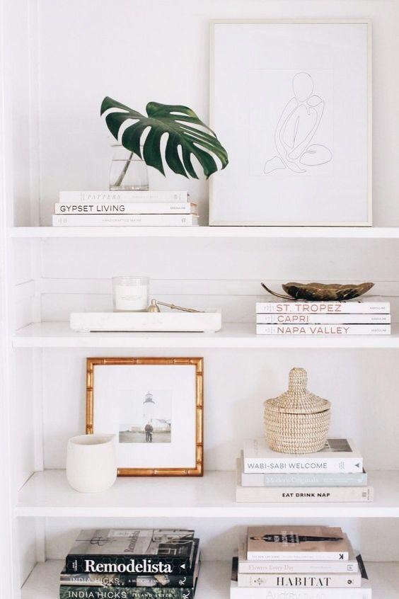 bücherregal styling | minimalistische Dekor Inspiration | Wohnkultur Inspiratio...