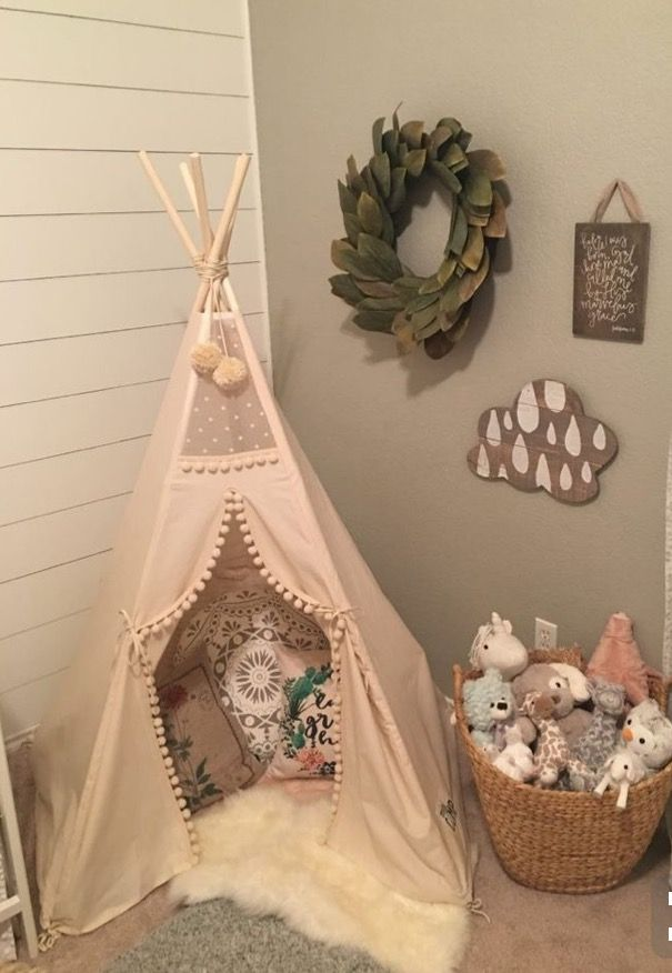 Pin by ava townsend on homes pinterest bebe for Decoracion pared bebe nina