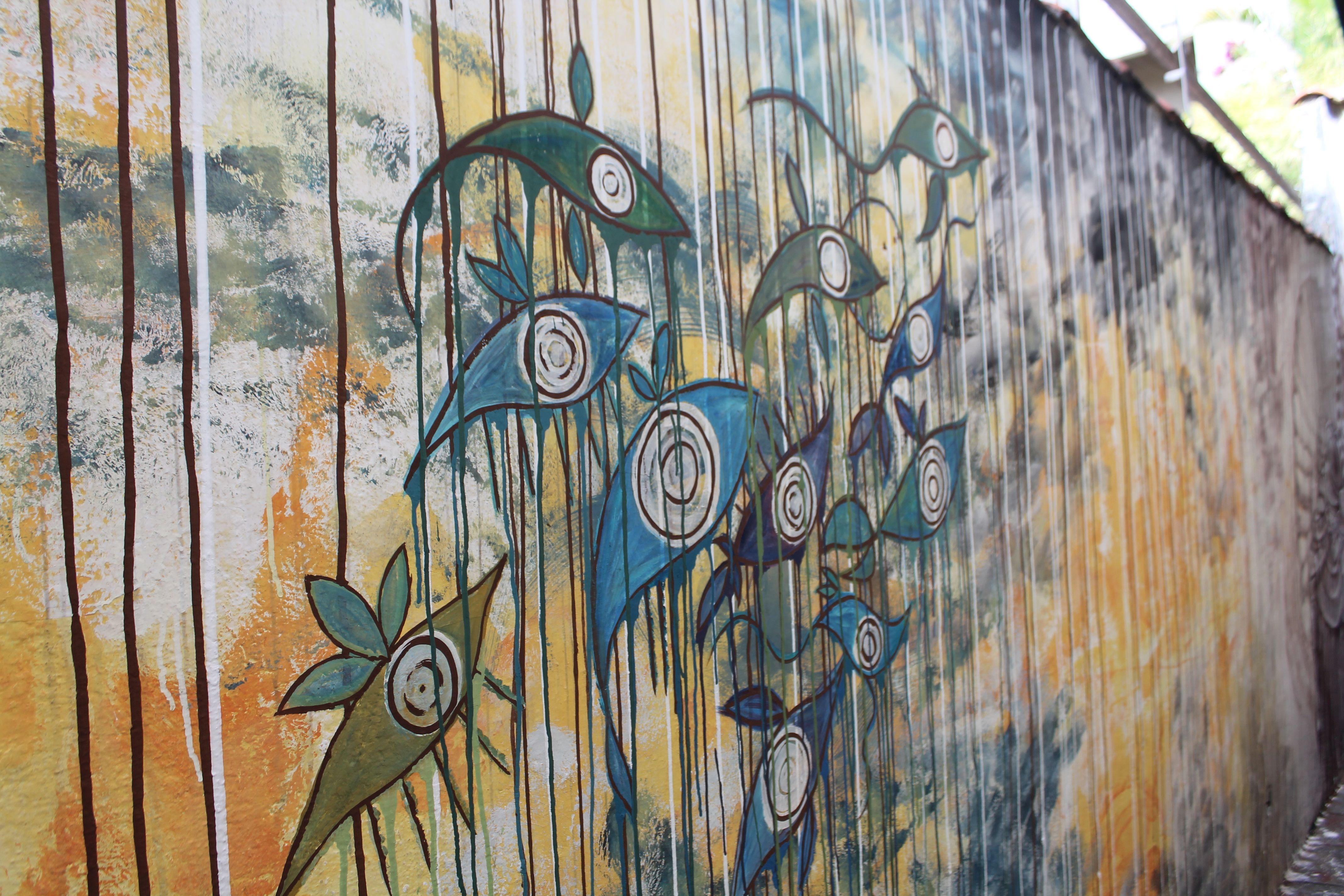 Interagindo com manchas e escorridas de tempo, manchando e escorrendo com tempo. Bruna Rizzotto e Beatris de Campos - Movimento CORagente - Vila Madalena, São Paulo.