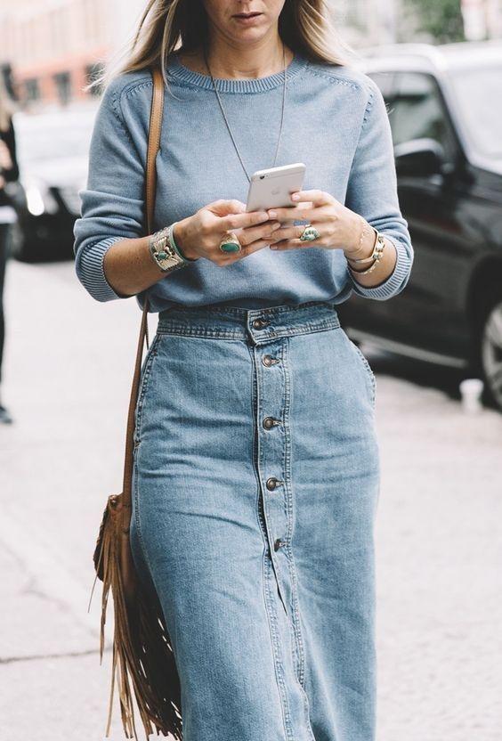 708ba62bcec342 La jupe en jean boutonnée   style   Jupes en jeans longues, Jupe en ...