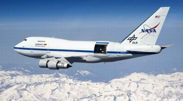 NASA's Newest Telescope Is Housed In A Special Jumbo Jet That Flies At 45,000 Feet - http://www.4breakingnews.com/technology/nasas-newest-telescope-is-housed-in-a-special-jumbo-jet-that-flies-at-45000-feet.html