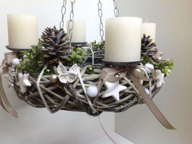 h ngekranz adventskranz wei gr n ideen christmas. Black Bedroom Furniture Sets. Home Design Ideas