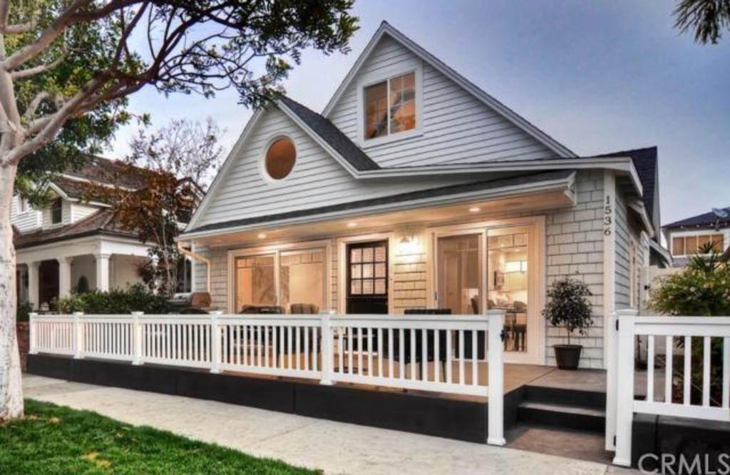 1536 East Ocean Boulevard, Newport Beach Property Listing: MLS® #NP14256695 http://www.bancorprealty.com/newport-beach-ca-real-estate-for-sale-balboa-peninsula-homes.php #balboapeninsulahomesforsale #balboapeninsularealestate #balboapeninsularealtors #balboapeninsularealestateagents #balboapeninsularealestatebrokers #newportbeachrealestate #newportbeachrealestatebrokers