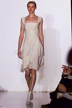 Donna Karan Spring 2002 Ready-to-Wear Fashion Show - Donna Karan