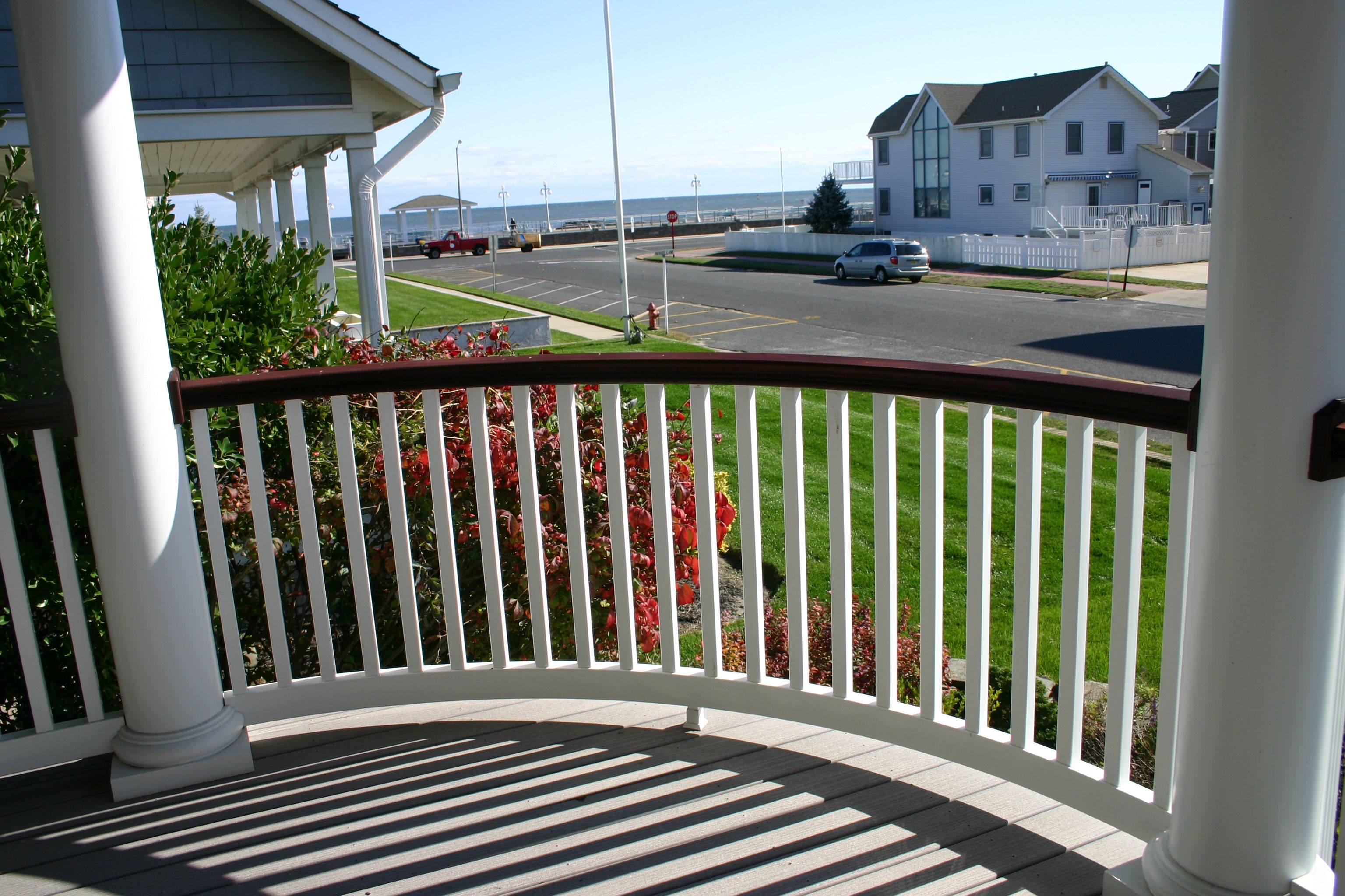 Best Curved Mahogany Balusters Railings Pinterest Railings 640 x 480