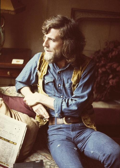 klchaps:  Graham Nash of Crosby, Stills, & Nash, 1970.   robbysblues stilförebild!