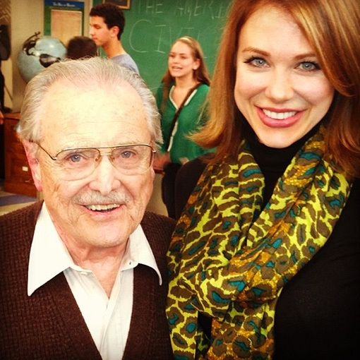 MR. FEENY WILL BE BACK FOR GIRL MEETS WORLD!!!! AND THAT'S RACHEL WITH HIM! I CAN'T HANDLE IT!!!