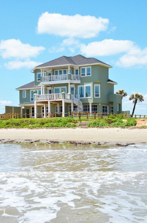Beach Front House Sleeps 16 Close To Town Homeaway Galveston Beachfront House Beach Cottage Exterior Island House