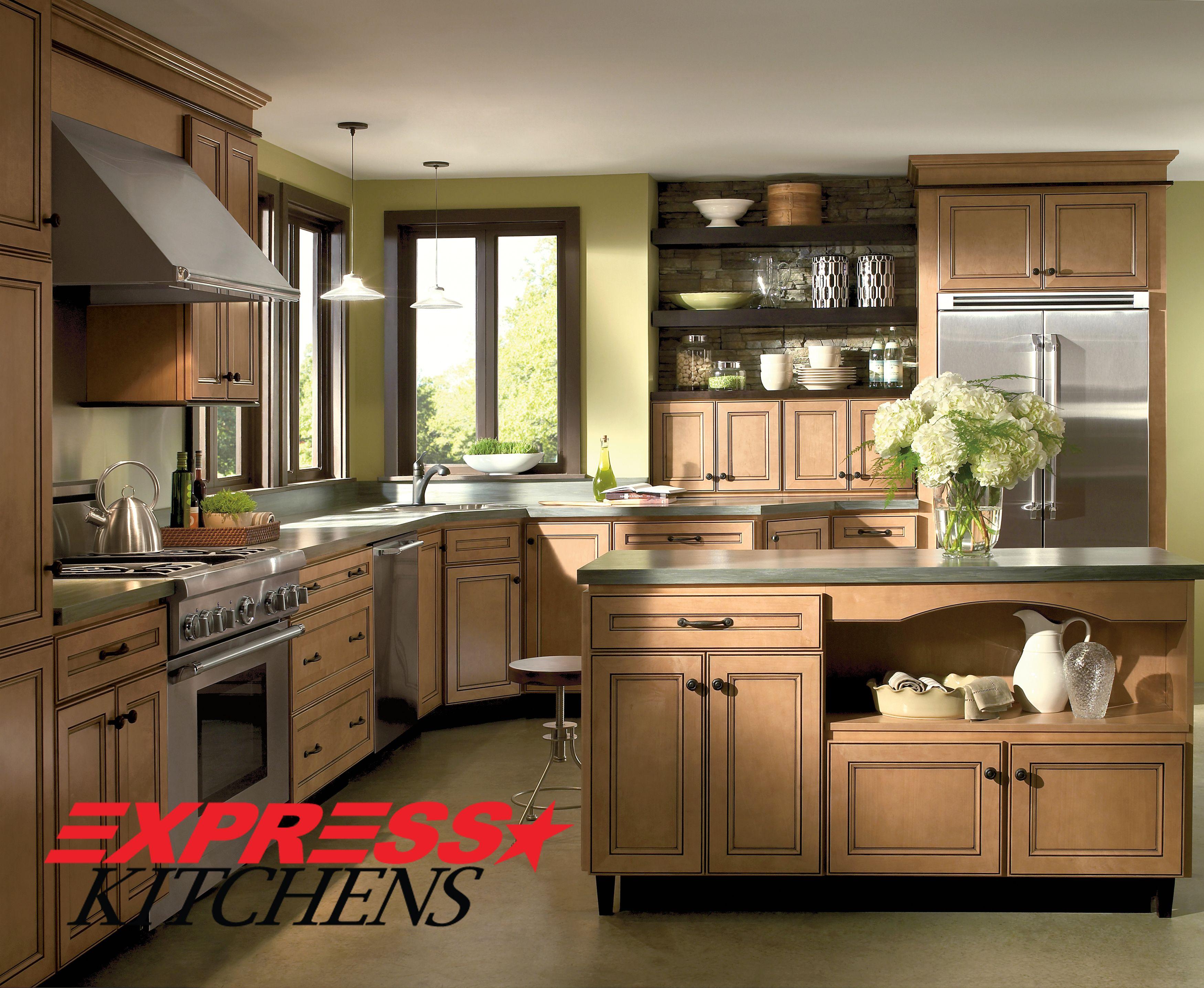 Elegant Refinement Runs Deep In This Door Design But Stops Just Short Of Fussy Comfortable Transitional Kitchen Design Kitchen Design Maple Kitchen Cabinets
