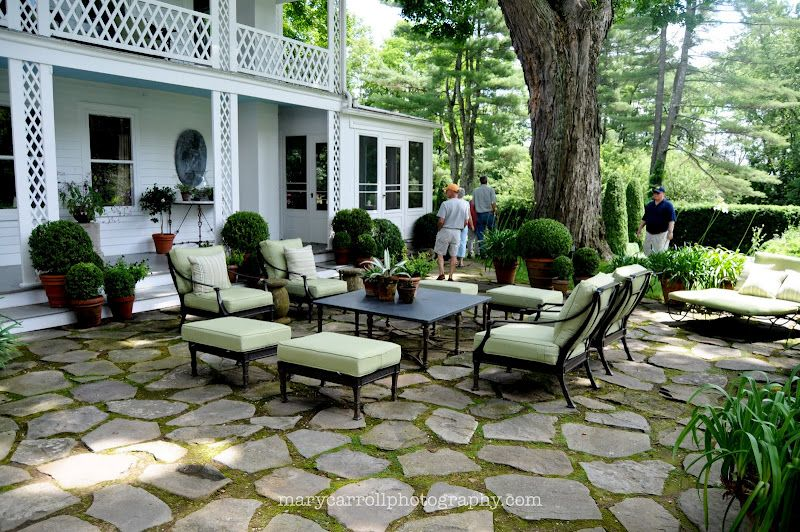 Merveilleux Little Red House: Mosaic Monday: Garden Furniture/Bunny Williams