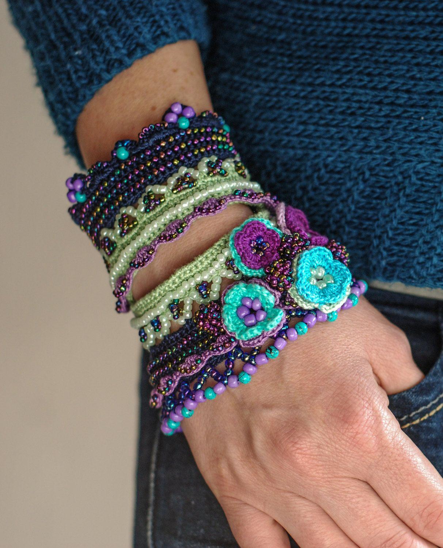 crochet beads bracelet | Çeşitli aksesuarlar | Pinterest | Brazalete ...