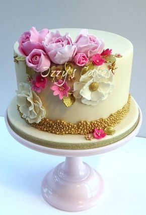 Elegant Pink and Gold Birthday cake and cupcakes ideas Pinterest