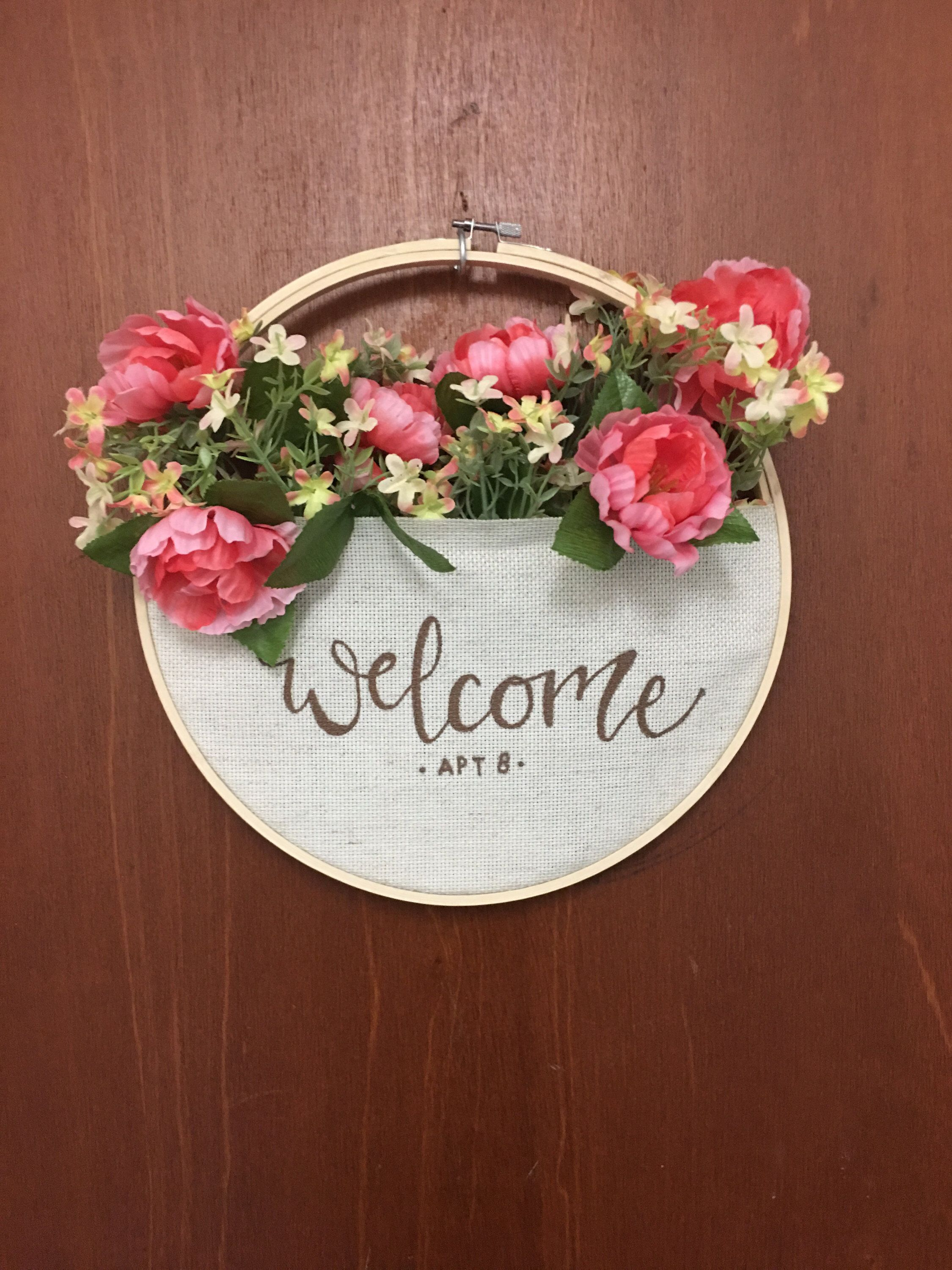 Embroidery Hoop Wreath with Pocket for seasonal filling by