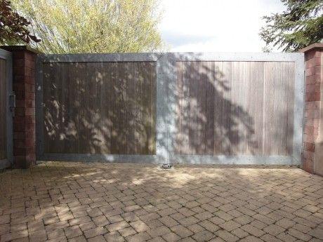 portail contemporain en acier galvanisé et bois Portail Pinterest