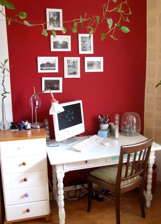 rote wand in schlafzimmer arbeitszimmer wg zimmer frei in hamburg eimsb ttel farbige. Black Bedroom Furniture Sets. Home Design Ideas