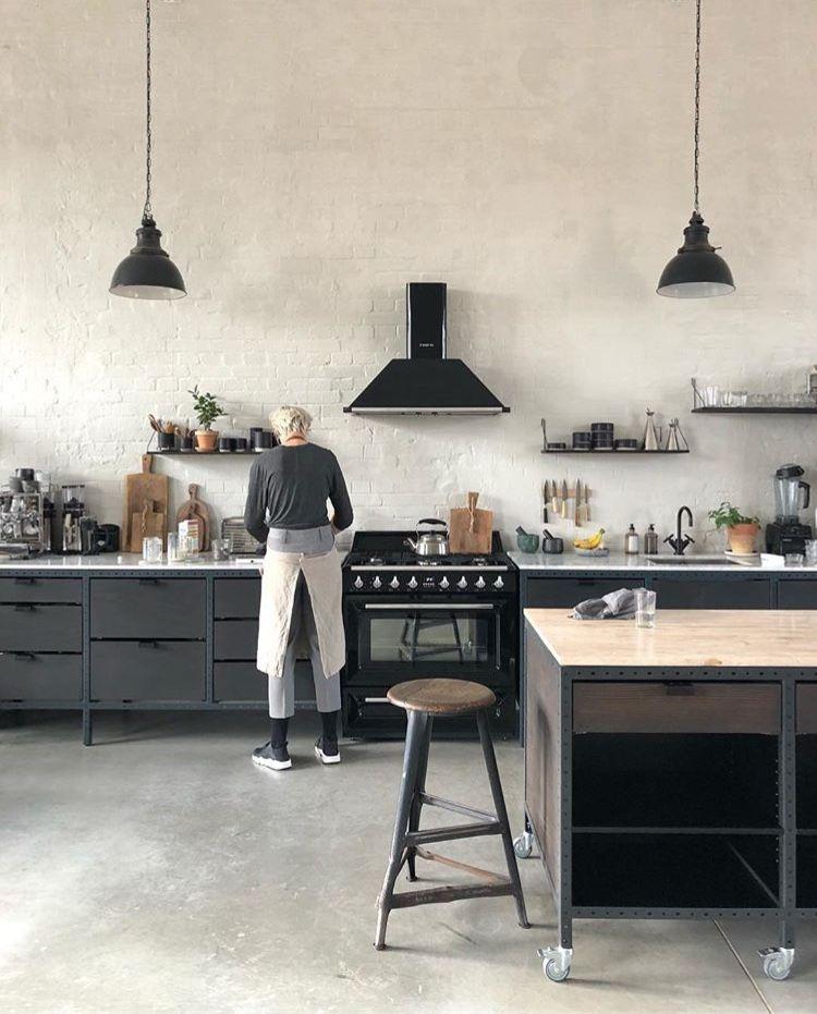 Cocina negra de estilo industrial | Cocinas negras | Pinterest ...