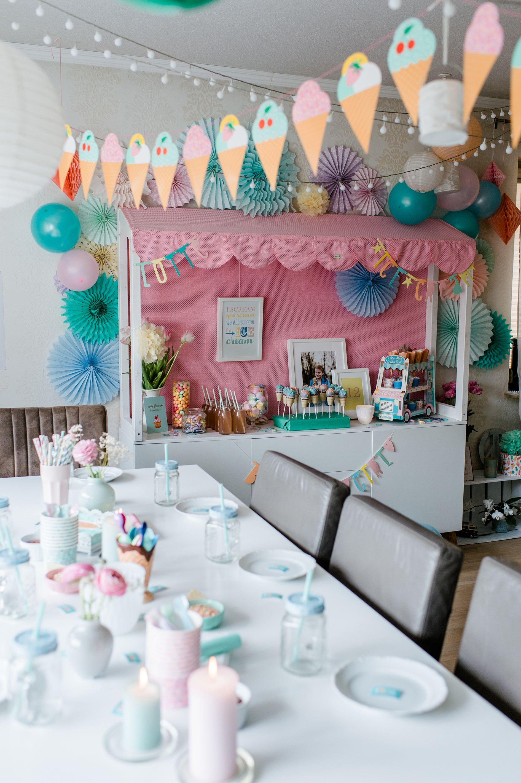 birthday #birthdaycake eistorte #eistorte #candybar Geburtstagstisch candybar sweet table sweettable kindergeburtstag Geburtstag cake pops fächer Girlande lichterkette kinder Geburtstag party Mottoparty eis icecream ice cream #icecreambirthdayparty