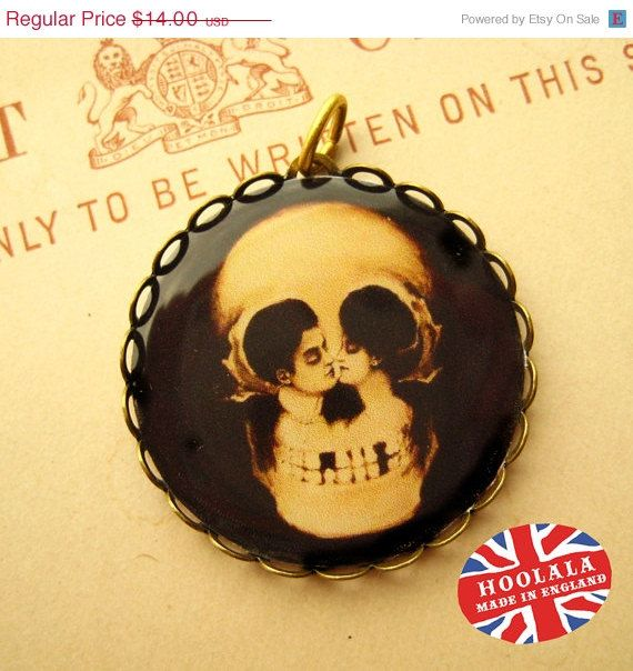 ON SALE Victorian Memento Mori Skull Charm from Hoolala $10.50