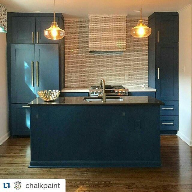 Preciosa cocina y precioso color hecho por @cfstudionola !! Congrat!! El color…